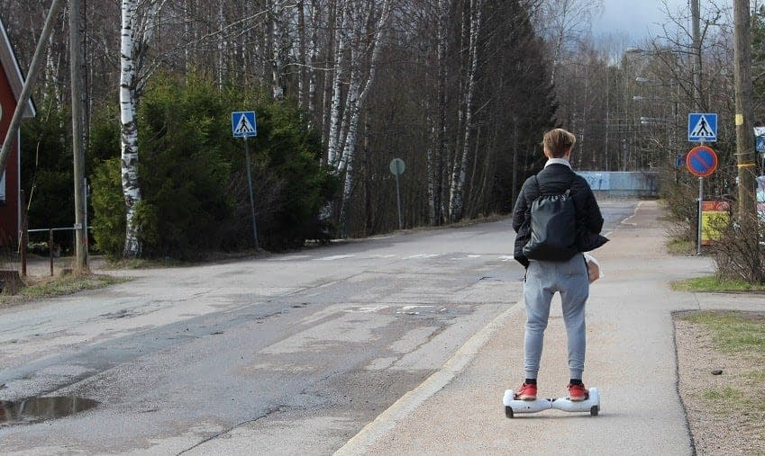 How does the hoverboard work