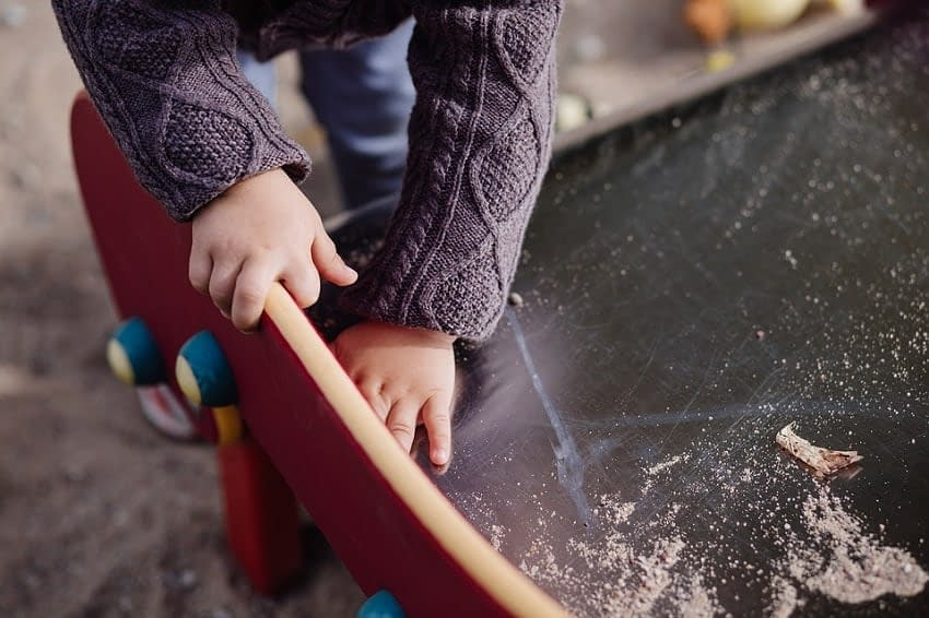 How to Clean Skateboard